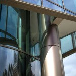 Curved glass guidance