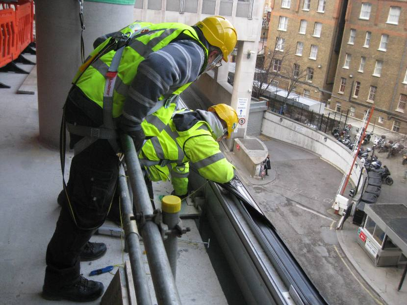 62 Buckingham Gate construction